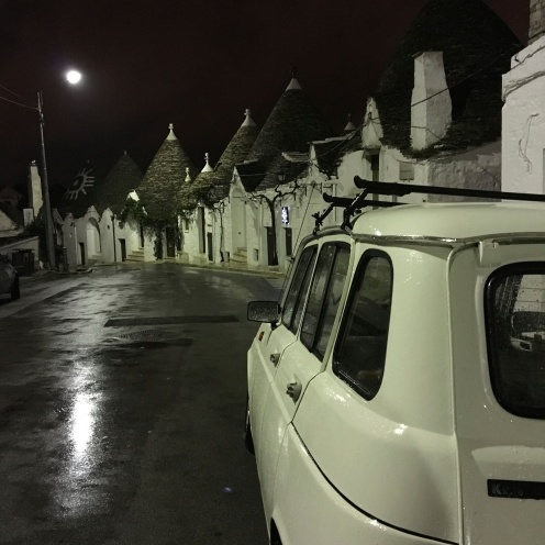 alberobello-at-night